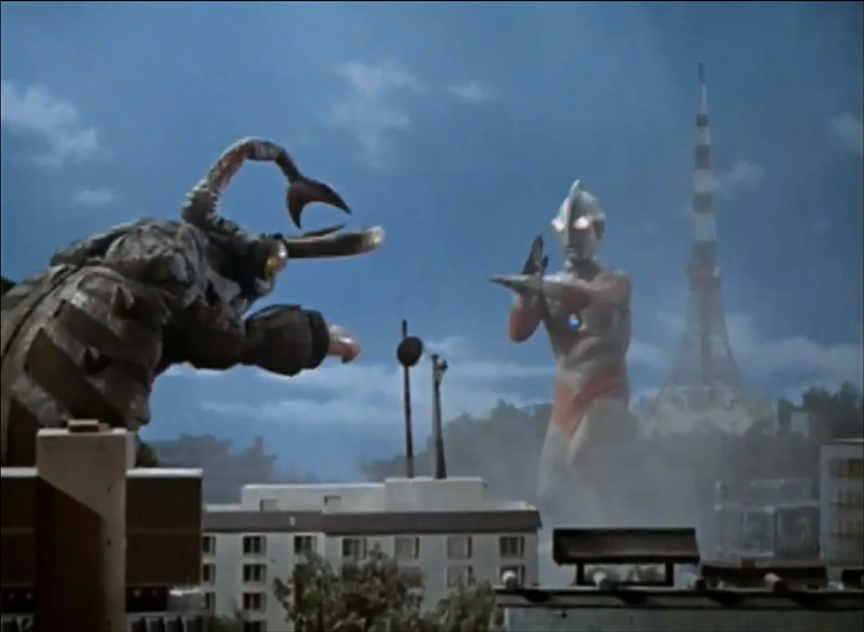 Nokogirin vs Ultraman Jack - note the orientation of the monster's head
